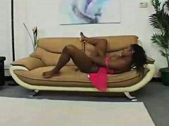 Oznake: par, kauč, crnkinje, guza.