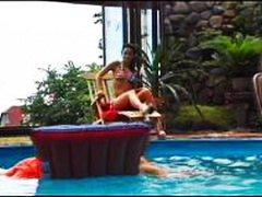 Тагови: свршување в лице, базен, дупла пенетрација, група.