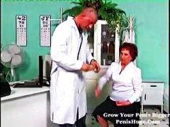 Tags: vecmāmiņas, pusmūža sievietes, ārsts.