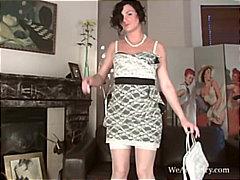 태그: 나이든여자, 적시기, 딜도, 오르가즘.