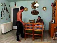 Tag: porno hardcore, basah, berbulu, dua orang.