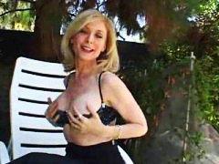 Ознаке: pičić, starije, pornićarka, iz ugla kamere.