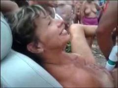 Tags: publiskais sekss, amatieri, gribošie, pusmūža sievietes.