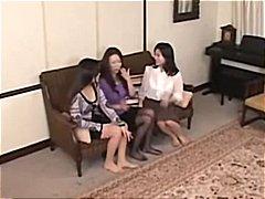 Žymės: lesbietės, kinietės, japonės, korėjietės.