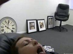 Tags: ejakulācijas tuvplāns, rudmates, dīvāns, rudmates.