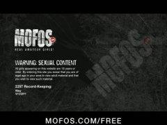 Tags: masturbācija, slapjas pežas, tīņi, pirksti pežā.