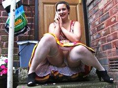 Tag: bawah skirt, awek, seluar dalam perempuan, wanita gemuk.