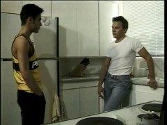 Ознаке: analni sex, kuhinja, latinske ribe, gej.