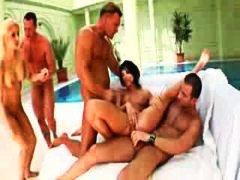 Oznake: grupnjak, anal, orgije, četverac.