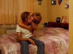Тагови: црвенокоса, аматери, француски, зрели за секс.