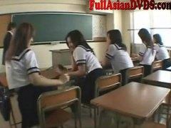 Ознаке: škola, japansko, muškarac-go žena-obučena, igra.