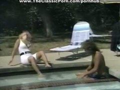 Ознаке: klasika, bazen, bulja, svršavanje po faci.