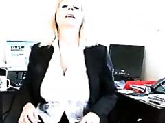 Mots clés: femmes mûres, secrétaire.