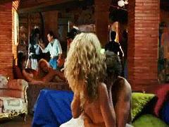 Taggar: kändis, nakenhet, kändis, erotisk.
