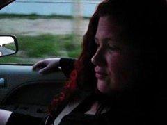 Tag: perempuan tua, buatan sendiri, rambut merah, luar rumah.