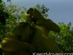 Tags: dabā, orgasms, skūpsti, smagais porno.