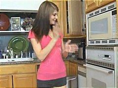 Ознаке: tinejdžeri, bejbisiterka, hardkor, kuhinja.