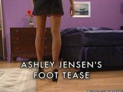 Tags: ar zeķubiksēm, kāju fetišs, fetišs, striptīzs.