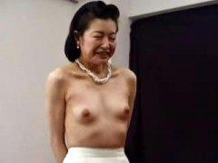 Тагови: зрели за секс, азиски, јапонско, мастурбација.