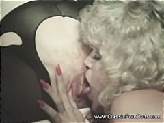 Tag: matang, perempuan tua, lesbian, ganas.