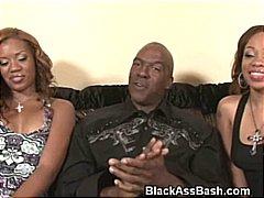 Žymės: juodaodės, oralinis seksas, hardcore, juodaodžių porno.