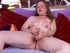Tag: ibu seksi, amatur, rambut merah, matang.