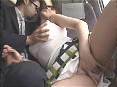 Oznake: djevojka, pod ženskom suknjom, kurac, pušenje.