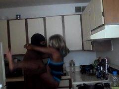 Oznake: majka koji bih rado, crnci, tinejdžeri, kuhinja.