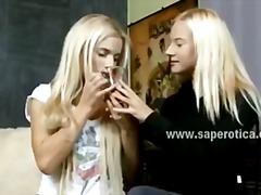 टैग: वयस्क, किशोरी, उंगली, आकर्षक महिला.