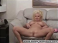 Tags: mājas video, striptīzs, masturbācija, blondīnes.