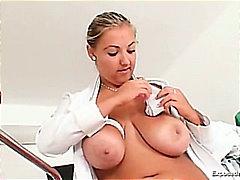 Taggar: sjuksköterska, finger, onani, stora bröst.