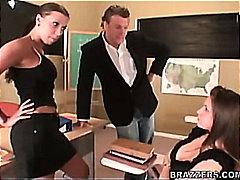 Tags: skola, sekss trijatā, skola, skolotāja.