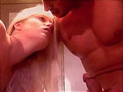 Tags: blondīnes, pāri, izskūtās, orālais sekss.