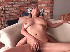 Žymės: pora, masturbacija, seksas tarp krūtų, plaukuotos putės.