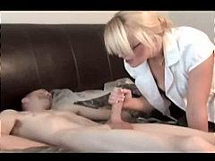 Tags: rokas masturbācija, ejakulēšana sejā, masturbācija, saliktie video.