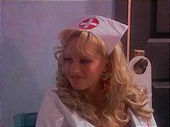 टैग: वर्दी, सुनहरे बाल वाली, जोड़ी, नर्स.