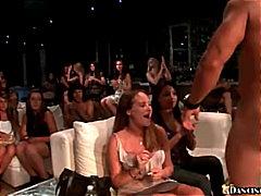 タグ: フェラチオ, 輪姦, パーティ, 着衣女と全裸男.