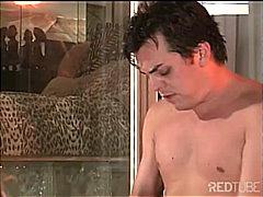 Žymės: vonioje, blondinės, pora, porno žvaigždė.