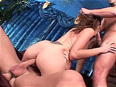 Žymės: oralinis seksas, analinis, užkišta burna, grupinis trise.