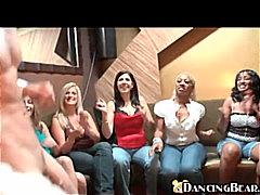 Tag: hisap konek, beramai-ramai, parti, perempuan berpakaian lelaki bogel.