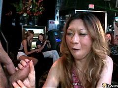 टैग: पार्टी, एशियन, ढंकी महिला नंगा मर्द.