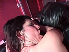 Ознаке: analni sex, obrijana, krempita od sperme, poljubac.
