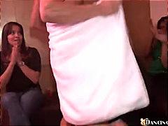 टैग: जोड़ी, पार्टी, ढंकी महिला नंगा मर्द.