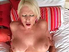 태그: 금발미녀, 음모제거, 큰 가슴, 커플.