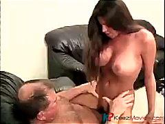 Tags: orālā seksa, tīņi, pupu masturbēšana, brunetes.