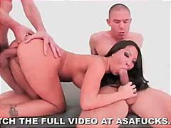 Теги: секс втроем, кончают на лицо, азиатки.