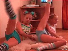Тагови: пиче, секси гаќички, слатка, играње.