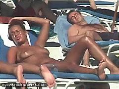 Ознаке: javno, velika bulja, bazen, seks na otvorenom.