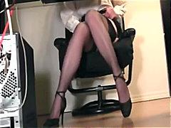 Tags: քարտուղարուհի, մաստուրբացիա, բարձրակրունկներ, նեյլոն.