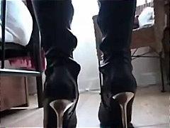 Ознаке: fetiš, čarape, čizme, najlon.